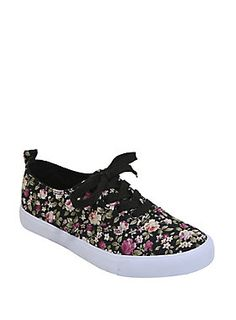 Nothing like flowers in the Spring! // Black Floral Sneakers