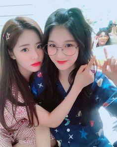 Ulzzang Korea, Korean Ulzzang, Cute Girls, Cool Girl, Pretty Girls, Korean Best Friends, Anime Friendship, Girl Korea, Uzzlang Girl