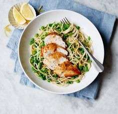 Lemon, chicken & smashed pea pasta Tender meat, sweet peas and a hit of zingy citrus. Asda Recipes, Great Recipes, Cooking Recipes, Healthy Recipes, Healthy Meals, Recipe Ideas, Chicken Peas Pasta, Lorraine Recipes, Kids Meals
