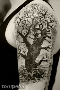 Tattoo Tree Tattoo Back, Tree Tattoo Men, Line Tattoos, Body Art Tattoos, Tattoos For Guys, Family Tattoo Designs, Tree Tattoo Designs, Wiccan Tattoos, Viking Tattoos