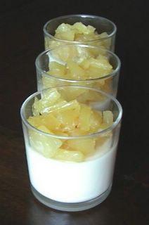 Panna cotta au lait de coco et sa compote d'ananas (adaptation régime hypotoxique↓) Pour la panna cotta : •20 cl de crème coco cuisine •40 cl de lait de coco •25 g de sucre de coco •1 c. à c. d'agar agar Pour la compote: •1 ananas •2 cas de sucre intégral vanillé •2 cas d'eau