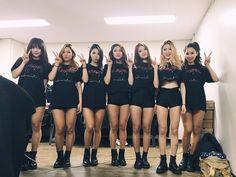 #iKONCERT #showtime Monster Energy Girls, Ikon, Skater Skirt, Korean, Instagram Posts, Dancers, Supreme, Fashion, Moda