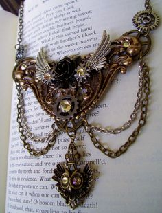 Steampunk Elegant Necklace (N413) - Brass stamping and chains - Owl pendant drop - Gears and Swarovski Crystals