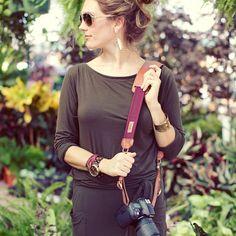 Get this stylish camera strap to fit your outfit    http://www.designstraps.de/KAMERABAeNDER/Lederbaender:::1_17:2.html