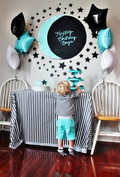 Kid's moon and star themed birthday party ideas. Inspiring party decor and cake ideas included.