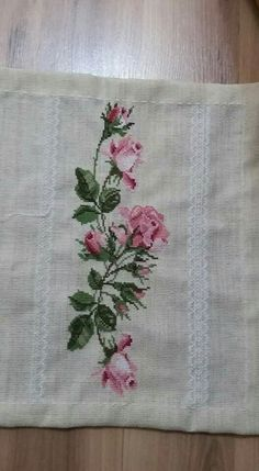 This Pin was discovered by Nil Cross Stitch Charts, Cross Stitch Patterns, Ribbon Work, Cross Stitch Flowers, Needlepoint, Needlework, Diy And Crafts, Embroidery, Floral