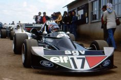 Patrick Depailler - March 752 Ford BDA/Hart - Brian Henton - Behind is probably Loris Kessel - March 742 BMW - Ambrozium H7 Racing Team -  XV Grand Prix de Magny-Cours - 1975 Non Championship F2 race