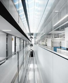 Gallery of UBC Faculty of Pharmaceutical Sciences / Saucier + Perrotte architectes - 5