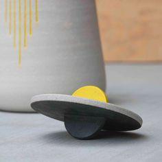 Hand made ceramic urn | Pawena Thimaporn | pawenastudio.com