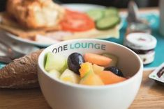 Booking.com: Motel One Wien-Staatsoper , Wien, Österreich - 5681 Gästebewertungen . Buchen Sie jetzt Ihr Hotel! Albertina Wien, Motel One, Vienna Hotel, Fruit, Food, Meal, The Fruit, Essen, Eten