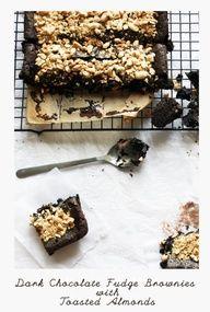 Dark Chocolate Fudge #Brownies with toasted Almonds - #chocolate #dessert