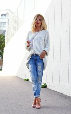 oversized sweater and boyfriend jeans. Sexy!