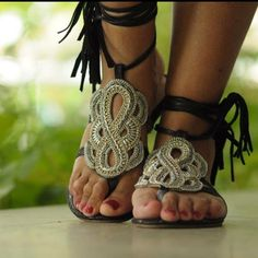 Nova remessa de sandálias acabaram de chegar ☀️☀️☀️☀️☀️👠👠👠 #sandaliasbordadas #pecasexclusivas #veraoeuropeu2013