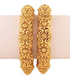Find wide range of fashion jewellery, imitation, bridal, artificial, beaded and antique jewellery online. Buy imitation jewellery online from designers across India. Call us on [phone] now to resolve your queries. Armband Rosegold, Gold Armband, Gold Bangles Design, Gold Jewellery Design, Gold Jewelry, Fashion Jewellery, Silver Necklaces, Silver Earrings, Jewelry Ads