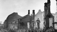 Bombarded Helsinki. Pommitettua Helsinkiä. SA-kuva.