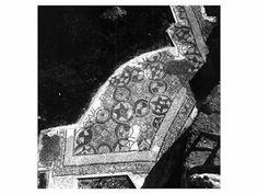 Battistero paleocristiano di San Giovanni, Canosa di Puglia, Puglia, prima metà del VI secolo. Fu costruito sotto il vescovo Sabino (516-566). I mosaici pavimentali.