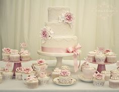 Vintage rose & pearl wedding cake