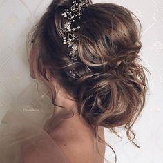 """""""bridal hair by @ulyana.aster?! Hair: @ulyana.aster Accessories: @ulyana.aster.store https://www.instagram.com/p/BBA9en8zIL_/ ⠀⠀⠀ ⠀ #UlyanaAster #bride #bridal #hair #wedding"""""""