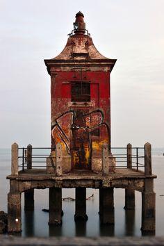Street art on the #lighthouse    http://dennisharper.lnf.com/