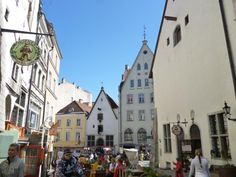 ユーラシア旅行社バルト三国ツアーで行く、エストニア タリンの旧市街を散策します