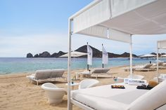 Blue Marlin Ibiza Los Cabo is the beach club at ME Cabo. Here you can catch VIP parties on selected days.