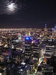 Visiting January Cant wait ✯ Moon Over Melbourne Coast Australia, Australia Travel, Melbourne Australia, Victoria Australia, Melbourne Victoria, Melbourne Skyline, World Cities, Night City, City Photography