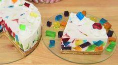 Diese Torte sieht aus, als wäre das Unmögliche wahr geworden. Dabei ist es ganz leicht.
