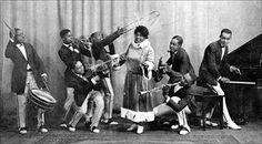 Mamie Smith & Her Jazz Hounds. Coleman Hawkins on sax