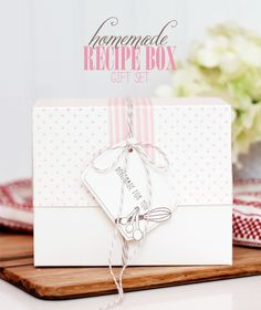 DIY Recipe Box Gift Set with free template - bjl
