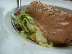LCHF-bloggen: Lun kålsalat med ingefær og hvitløk (med limelaks)