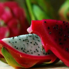 How to eat dragonfruit!
