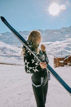 Beautiful winter is here. Apres Ski Outfits, Ski Bunnies, Leonie Hanne, Snow Outfit, Ski Season, Winter Is Here, Ski Fashion, Winter Pictures, Ski And Snowboard
