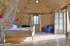 Romantic guestroom at Mas de Garrigue Guesthouse