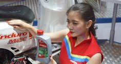 Booth Pertamina Lubricants Tawarkan Pengunjung Mengenai Wawasan Pelumas