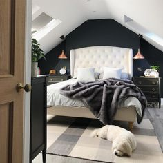 What Do You Do If You Have an Unused Loft Space? Check This Ideas! ~ ideas and inspiration for your dream home Small Loft Bedroom, Small Loft Spaces, Attic Master Bedroom, Attic Bedroom Designs, Loft Room, Attic Bedrooms, Room Ideas Bedroom, Bedroom Wall, Loft Bedroom Decor