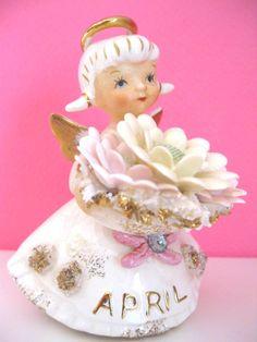 Angel Figurine- Lefton April Birthday Figurine- Daisy Flowers, Diamond.