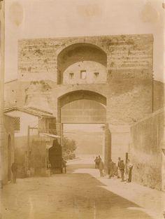 Paolo Lombardi; Interno di Porta San Marco (1880 ca.); Archivio fotografico Malandrini - Fondazione MPS; http://www.fondazionemps.it/OpereWeb/Malandrini.aspx; #Siena #Toscana #SienaComEra #PortaSanMarco