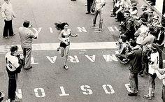 Una nueva mujer, un nuevo récord.  En 1980, Patti Dillon se convirtió en la primera mujer americana que rompía la barrera de 2:30 en maratón.