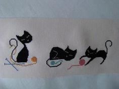 Chez Mounette: Trois petits chats noirs
