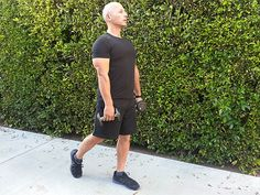 6 Tummy-Toning, Butt-Sculpting Moves You Can Do Anywhere from celebrity trainer Harley Pasternak