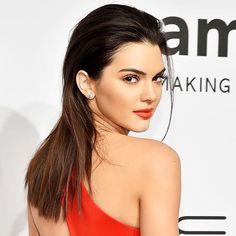 Kendall jenner : DDB Inspira: Cabelo liso e penteado para trás