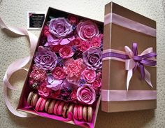 Purple and pink flowers, macaroons