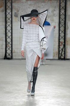 cac7d43789b Afstudeercollecties Arnhem elegant en perfect van vorm | Independent  Fashion Daily