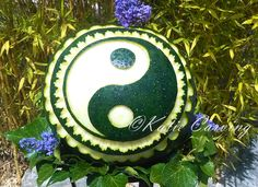 Melone carving, sculpture, yin-yang Yin Yang, Carving, Sculpture, Christmas Ornaments, Fruit, Holiday Decor, Home Decor, Decoration Home, Room Decor