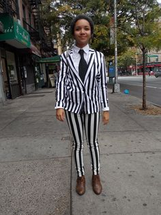 Streetstyle in New York • Black and White Stripes • Photo: Alina Spiegel