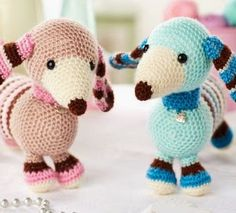 Molly and Max Dachshunds - Free amigurumi crochet patterns