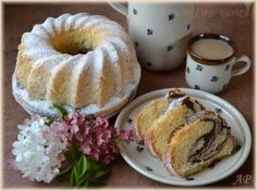 Piškotová bábovka Czech Recipes, Sweet Cakes, Bagel, Food Hacks, Sweet Recipes, French Toast, Food And Drink, Pudding, Sweets