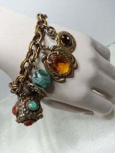 Vintage-Renaissance-Etruscan-Revival-Heraldic-Charm-Fob-Goldtone-Chunky-Bracelet