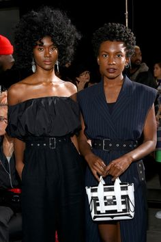Front Row: Isis Valentino and Alex Belle of St. Beauty - Where Different is the Ultimate Asset: Style & Fashion Excellence Beautiful Black Women, Beautiful People, Beautiful Eyes, Beautiful Pictures, Natural Hair Tips, Natural Hair Styles, Black Girl Magic, Black Girls, Rock And Roll