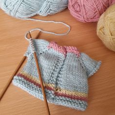 ClaireFairall's pastel cardi for Josie Doll W.P Wednesday for this week. A little Pastel shades Cardigan for Josie Doll. Summer Josie doll knitting pattern by Claire Fairall Knitted Doll Patterns, Animal Knitting Patterns, Knitted Dolls, Crochet Dolls, Knit Crochet, Knitting Dolls Clothes, Crochet Doll Clothes, Doll Clothes Patterns, Popular Crochet